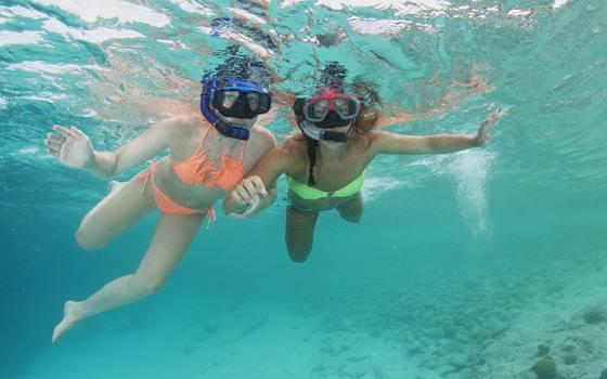Westpunt - 2 snorkelaars