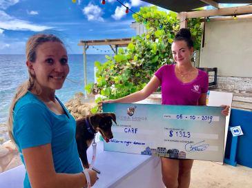 Scuba Lodge donates over $2.500 to CARF and GreenKidz
