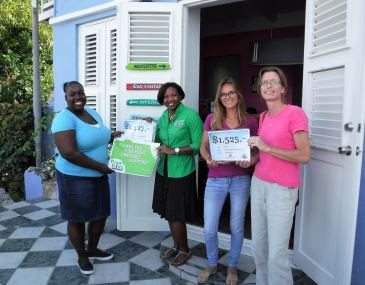 Scuba Lodge Donates More Than $10,000 To CARF And GreenKidz