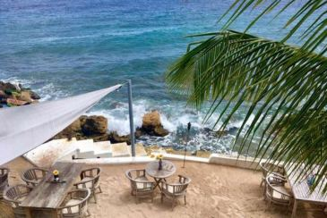 The Cheapest Caribbean Destinations With the Best Drinks