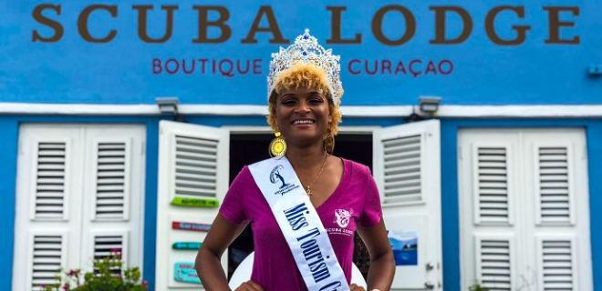 Eugennia is crowned Miss Tourism Curaçao 2018
